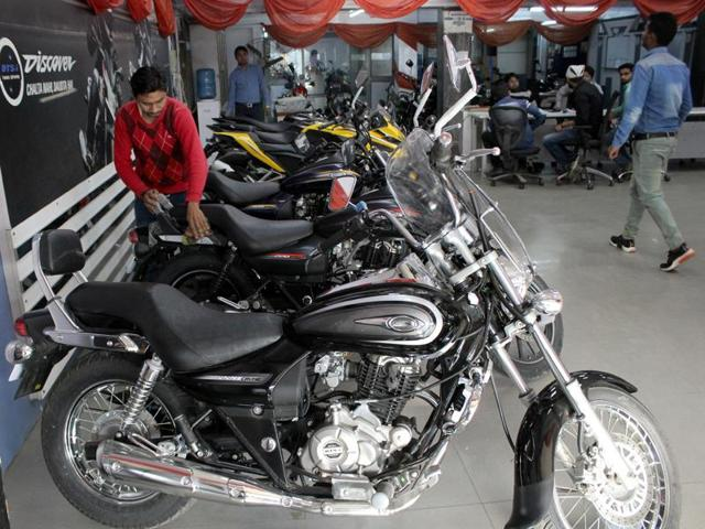 Data from the regional transport department shows that the sale of bikes has dipped. Only 327 people registered for two-wheelers from November 9 to November 14, owing to demonetisation.