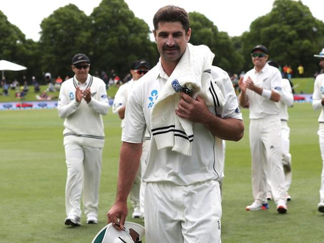 Colin de Grandhomme picked up 6/41, the best bowling figures by a New Zealand debutant in Tests.