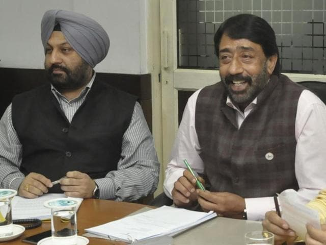 Mayor Sunil Jyoti (centre) and commissioner GS Khehra (second from left) during the meeting in Jalandhar on Friday.