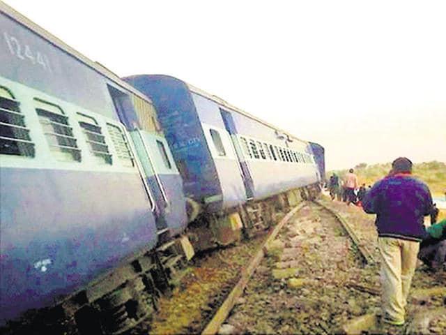 Bathinda -Jodhpur passenger train derailed near Rajiasar village in Ganganagar District on Saturday.