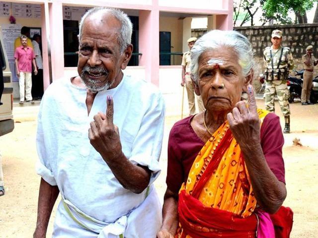 Turnout in Tamil Nadu were as follows: Thirupparankundram (85%), Aravakkurichi (81%), Thanjavur (69%).