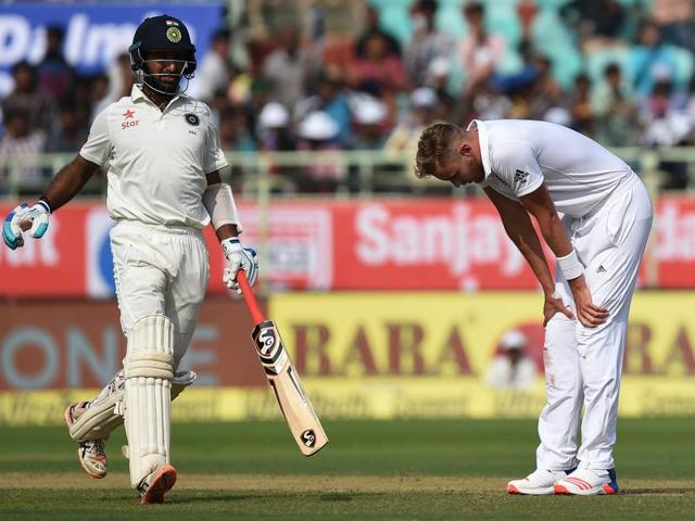 Stuart Broad, who had left the field on the first day of the match due to discomfort in his wrist and foot, bowled four overs with the second new ball on Friday.
