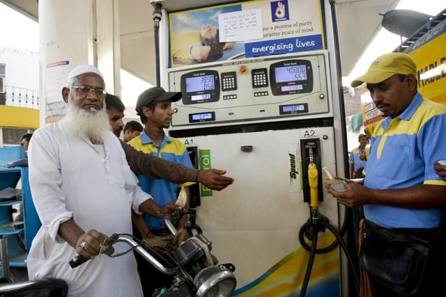 Petrol pump owners said they do not have the resources to  distribute cash.