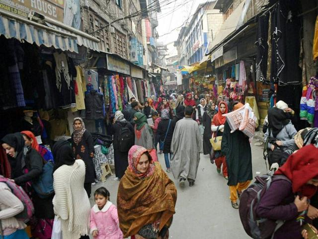 A bustling market after 133 days of shutdown in Srinagar on Saturday. Shops, offices, business establishments and fuel stations opened Saturday for a full day for the first time since the unrest began on July 8 following the killing of militant commander Burhan Wani.