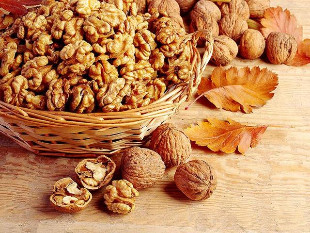 There are several nutrients in walnuts that could be responsible for the improved mood like alpha-Linolenic acid, vitamin E, folate, polyphenols or melatonin.