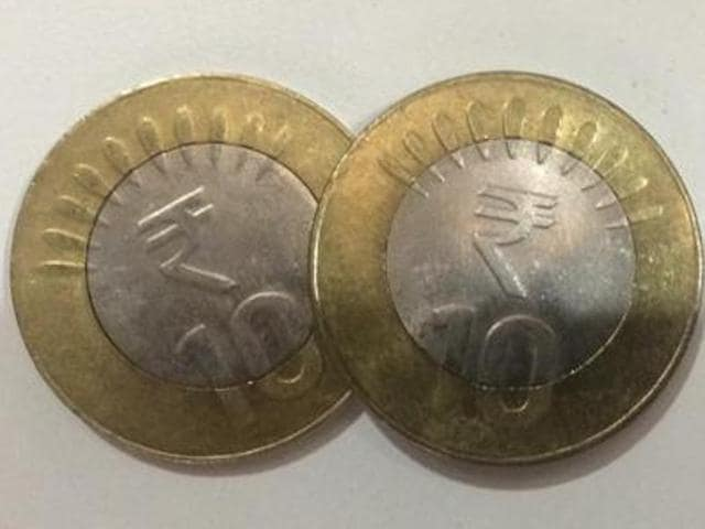 The Reserve Bank of India clarified that both designs of the Rs 10 coin -- one with the rupee symbol and the other without -- were valid.