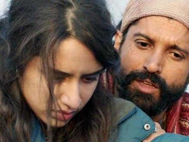 Shraddha and Farhan in a still from Rock On 2.