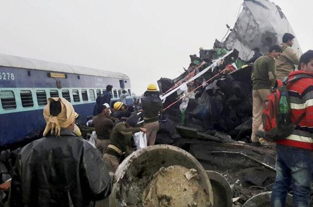 Kanpur: Rescue and relief works in progress after the Indore-Patna express derailed near Kanpur Dehat on Sunday morning. PTI Photo (PTI11_20_2016_000094B)