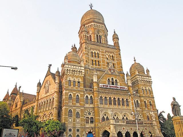 The Brihanmumbai Municipal Corporation (BMC) also plans to build 70 link roads where they are missing, such as between the Express Highway and Lady Jamshedji Cross Road near Mahim, Dr E Moses road and Lala Lajpatrai road, and Madh Marve and Madh Jetty.