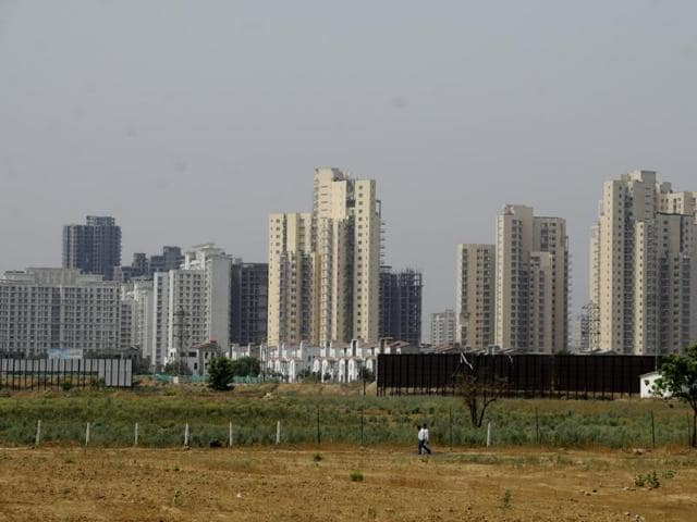 Drop in searches for properties worth Rs 50 lakh and above but traffic for rentals goes up by 8% to 10% following demonetisation of Rs 500 and Rs 1000 notes.