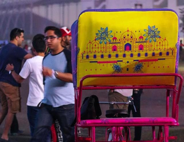 The artist used four colours such as pink, blue, yellow and green to make eight rickshaws in total.