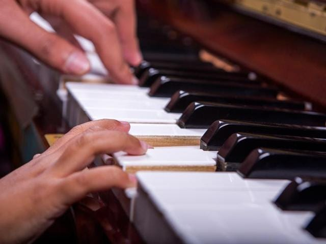 The maturation of brain tracts and connections between motor, auditory and other areas allow the development of numerous cognitive abilities, including musical skills, say experts.