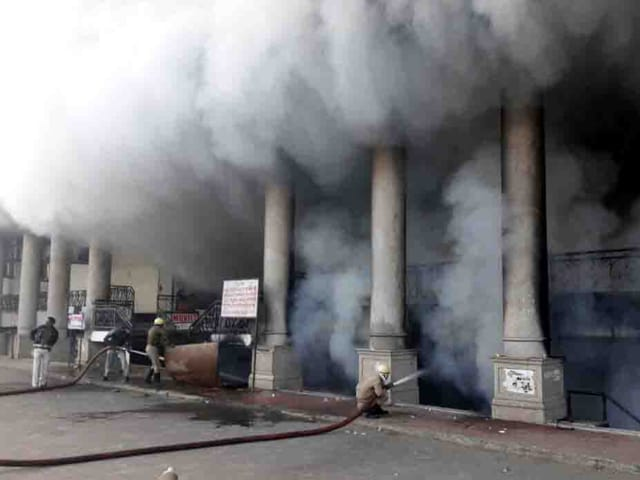 The exact reason behind the fire at 'Ojaswi Crafts' and 'Goldy Ice-creams' is yet to be known.