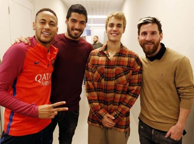Popstar Justin Bieber played football with Barcelona stars Neymar and Rafinha at Camp Nou.