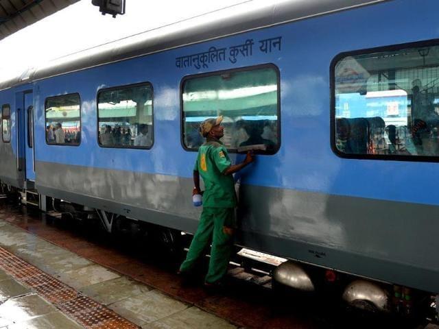 China,Chinese media,Indian trains