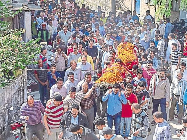 Bodies of Gita Singh and her daughter Ragini Singh being taken for cremation in Bhopal on Monday.