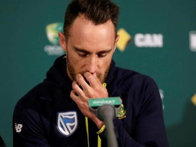 Faf du Plessis has insisted that he did not tamper with the ball during the second Test against Australia in Adelaide.