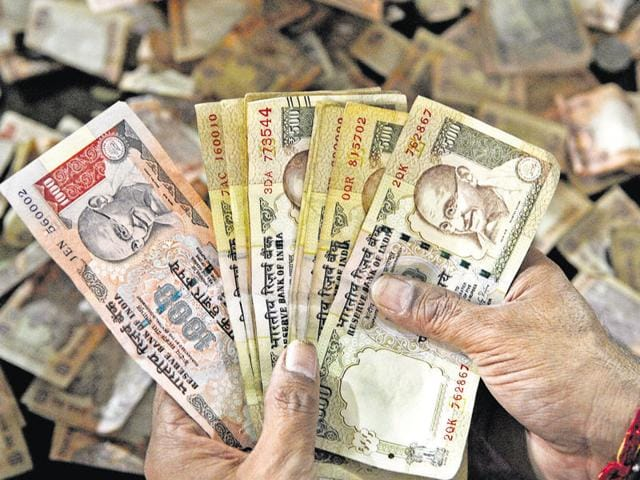 Delhi police seized over Rs 3.6 crore in demonetised currency from three people in north Delhi's Kashmere Gate.