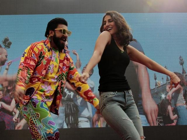 Bollywood actors Ranveer Singh and Vani Kapoor shake a leg during their visit to Law Faculty in North Campus.