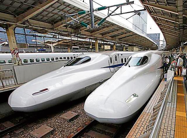 The Shinkansen high-speed train at Tokyo station in Tokyo. The Ahmedabad-Mumbai train will be modelled on the Shinkansen.(AP)