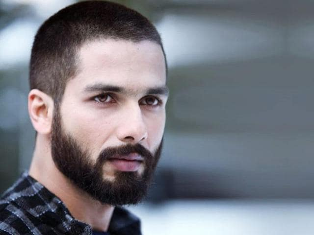 Shahid Kapoor sporting a full beard in his 2014 film Haider.