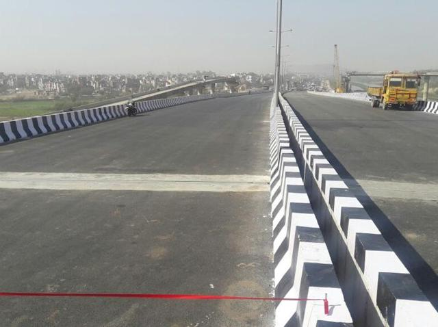 Mukundpur flyover is a part of the signal free road project between Vikaspuri and Wazirabad. The Madhuban Chowk to Mukharba Chowk stretch of the project was opened in January.