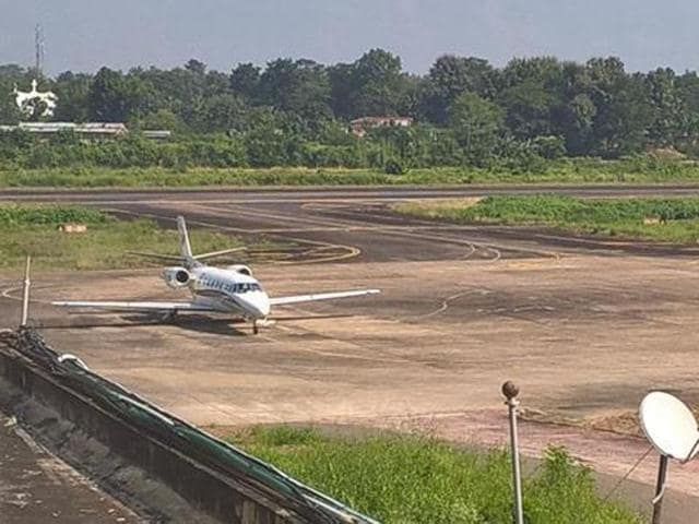 The chartered flight with the cash from Haryana's Hisar landed at Dimapur airport on Tuesday morning. (HT Photo )