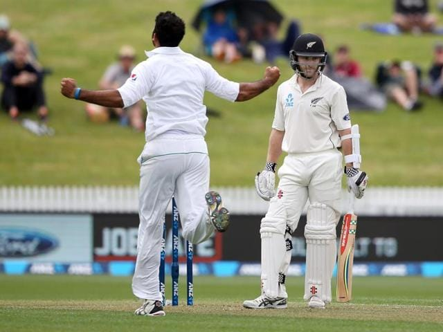 Kane Williamson's controversial dismissal highlighted a wet opening day of the second Test between New Zealand and Pakistan in Hamilton.