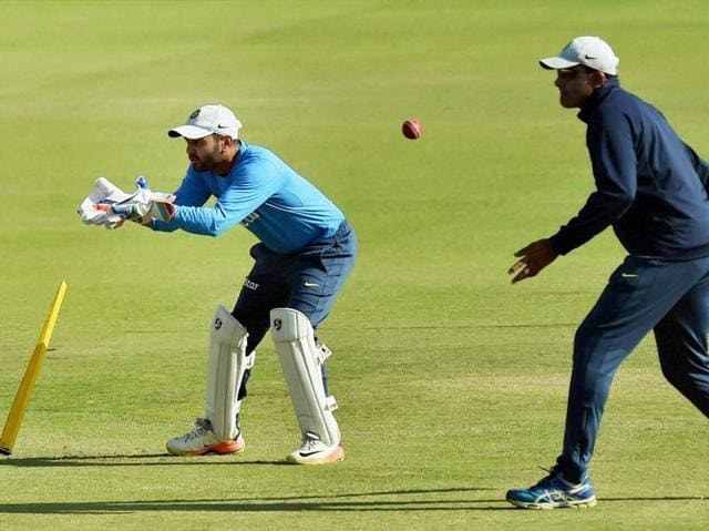 Indian coach Anil Kumble had a special session with wicket-keeper Parthiv Patel, who was called in for the match after 'keeper Wriddhiman Saha was ruled out due to an injury. (PTI)