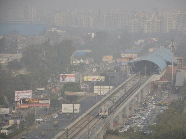 Air pollution is a major concern for Kaushambi residents.(Sakib Ali/HT File)