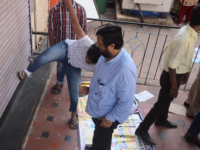 Activists from various political parties attack the playschool at Kharghar.
