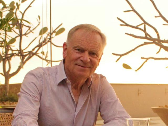 Jeffrey Archer, who greeted about 2,700 people for the launch of his latest book, says it is wonderful to be in India.(HT Photo)