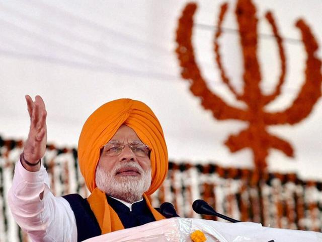 Prime Minister Narendra Modi addressing a function to mark 350th Birth Anniversary Celebrations of Guru Gobind Singh at Anandpur Sahib Gurudwara in Punjab.(PTI Photo)