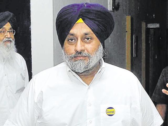 Punjab deputy CM Sukhbir Singh Badal informed NSA Ajit Doval of the Nabha jailbreak incident.(HT File Photo)