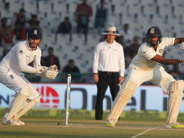 Live Cricket Score,India vs England,Mohali
