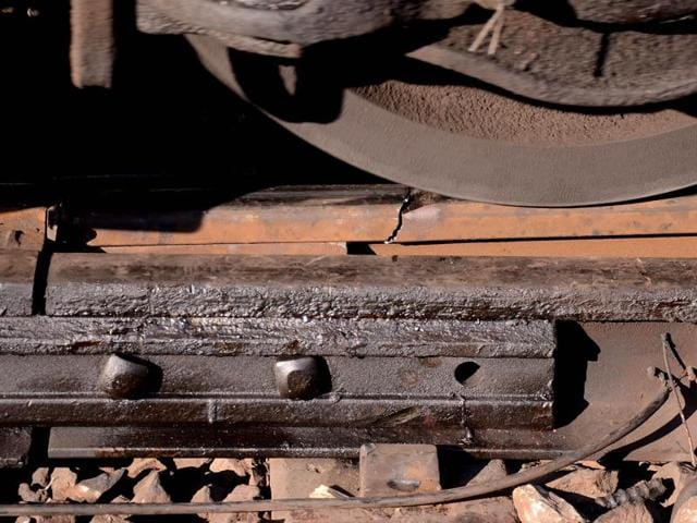 The rail fracture that developed between Kopar Khairane and Ghansoli station on Saturday morning.