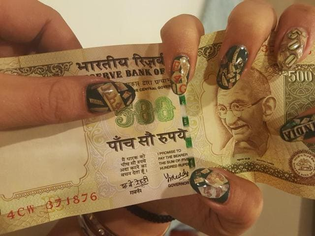 Noteworthy creativity demonetisation inspires artworks for your delhi based nail artist simar sukhija glues parts of the old rs 500 note on prinsesfo Images