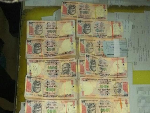 The ₹15 lakh currency was in denominations of the scrapped ₹1,000 notes.