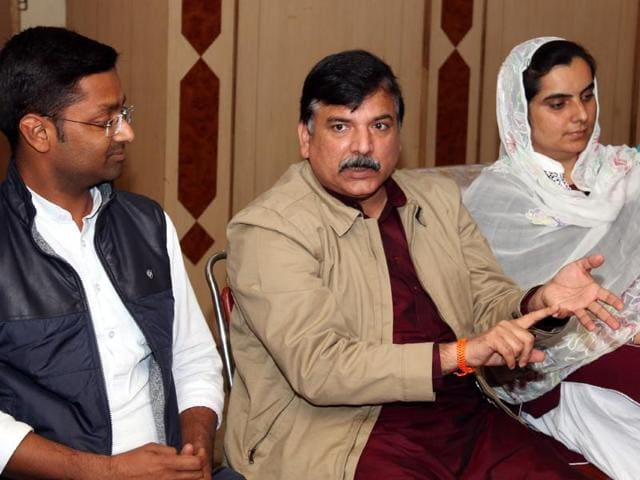 Aam Aadmi Party (AAP) leader Sanjay (second from left)  with (from left) Bathinda-urban candidate Deepak Bansal (left), Talwandi Sabo candidate Baljinder Kaur and Bathinda-rural candidate Rupinder Kaur Ruby, at a press conference in Bathinda on Monday.
