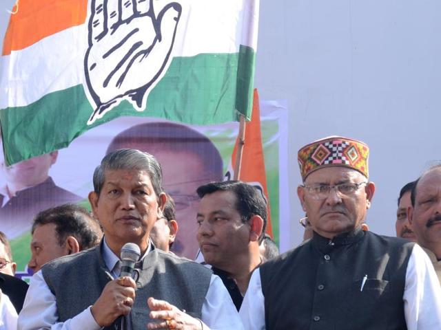 Chief minister Harish Rawat (2nd from left) addresses a Congress rally against demonetisation in Dehradun on Monday