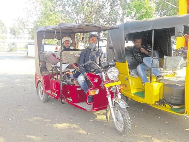 Over 160 e-auto rickshaws ply within JMC limits.