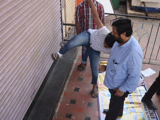 Activists of various political parties attack the playschool at Kharghar.