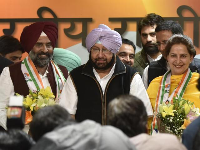 Navjot Kaur Sidhu (right) and former Olympian Pargat Singh (Left) joined the Congress party at a press conference in the formal announcement in the presence Capt. Arminder Singh (C) at AICC headquarters in New Delhi,  on Monday.