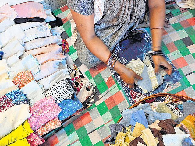IIT-Kharagpur,Jute,Sanitary Napkins
