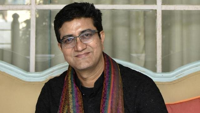 Here's All You Need To Know About Prasoon Joshi, The New Censor Board Chief Who's Replacing Pahlaj Nihalani!