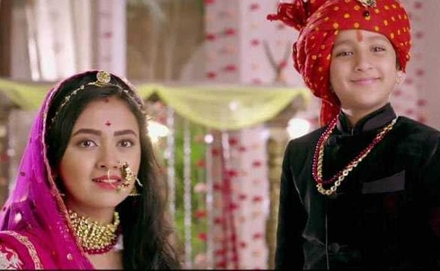 """Most young boys have a crush on one of their school teachers but that's not creepy."" Suyyash Rai Defends Pehredaar Piya Ki!"