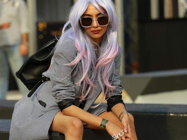 Street style: Quirky bags to pastel hues, time to take style cues