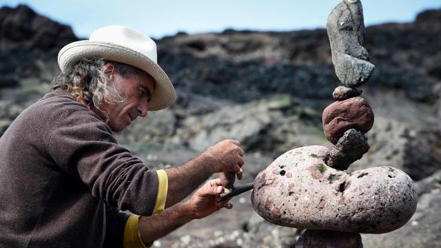 Photos: Gravity-defying stone sculptures at stacking championship in Sc...