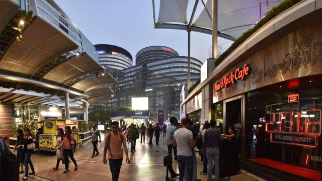 CyberHub caters not just to the corporate and business hubs in the vicinity but also the catchment in and around Gurugram. Retro bars, pubs, entertainment zones for children, a bookstore, luxury as well as daily needs stores are part of the offerings at this Gurugram landmark. There's something to suit all tastes, all days of the week.