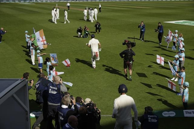 The Indian team gave Alastair Cook a guard of honour in his last match as an England player
